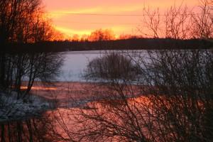 Auringonlasku Hyvikkälänjoella – Kopio