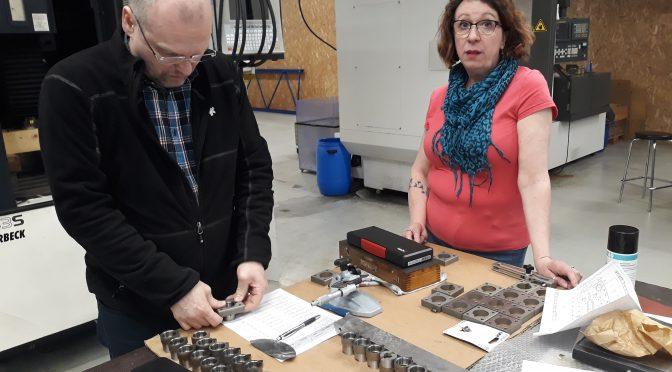 Pirttiset muovaavat metallia ja muovia